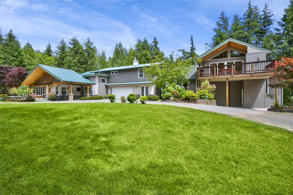 Beautiful_Kitsap_Estate01